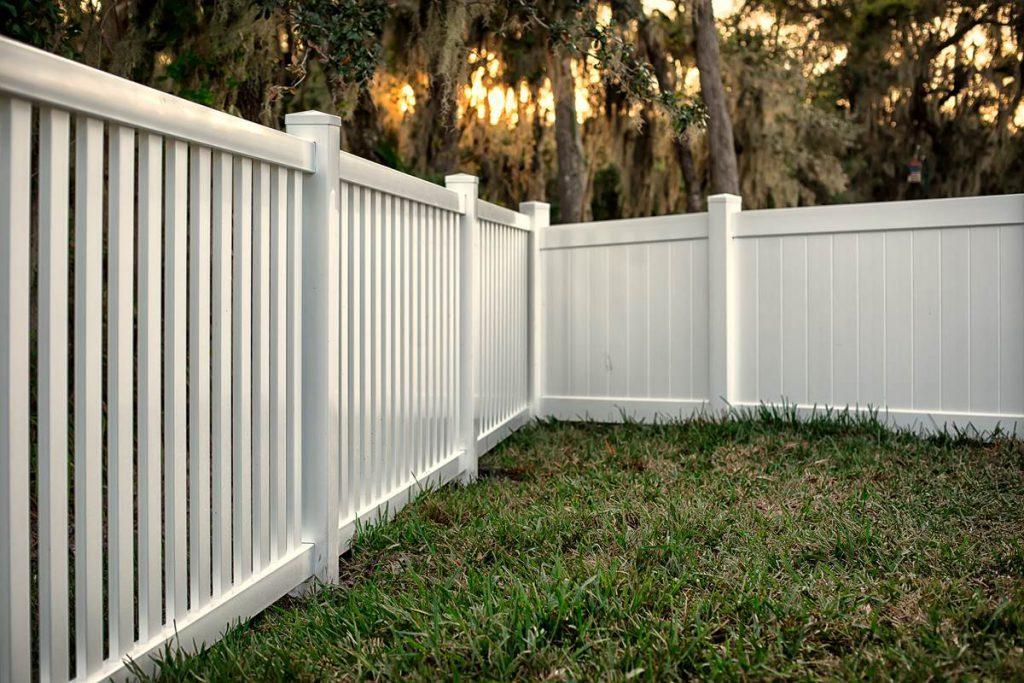 MP vinyl fencing