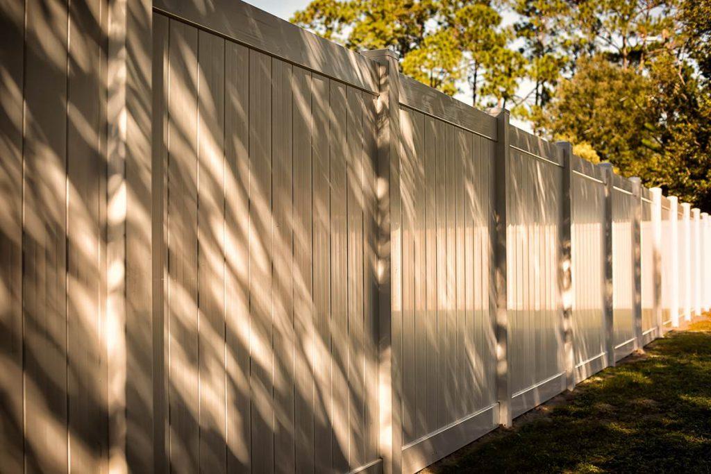 N Vinyl Fencing